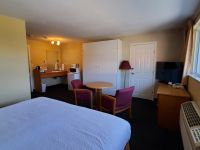 days inn penticton room